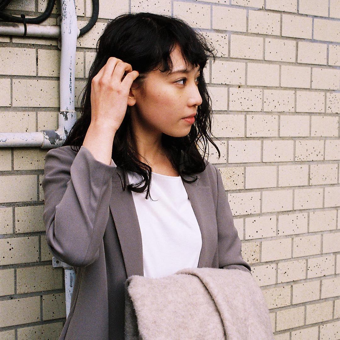 9d37104f9bc9c 女性のスーツ着こなし 失敗しない女性スーツの選び方|The Style Dictionary