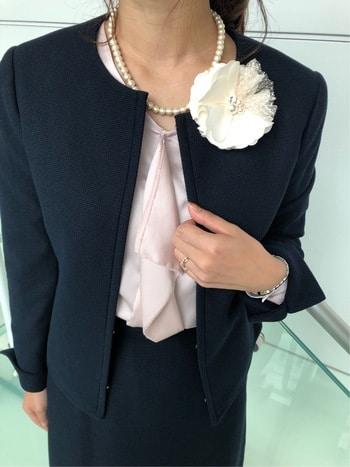 卒園式ママしゃがみパンチラ ニクイねぇ!PRESS