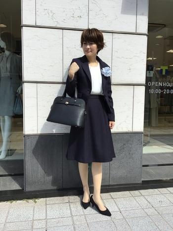 高校 卒業 式 母親 服装
